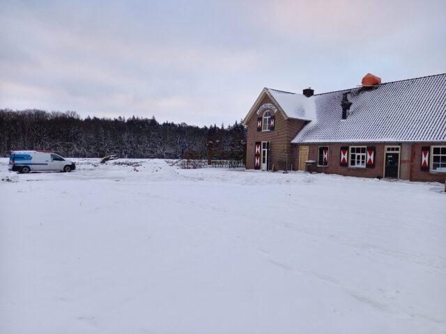 Caraolinahoeve sneeuw